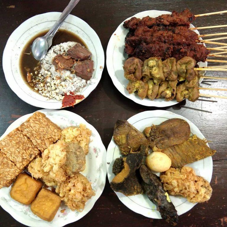 kuliner legendaris malang Warung Ibu Haji Ridwan 1945