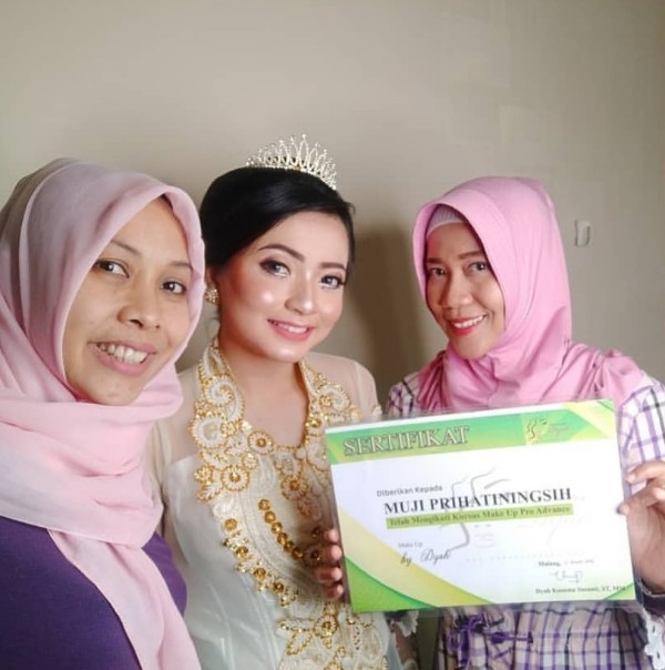 Kursus make up pro advance di malang