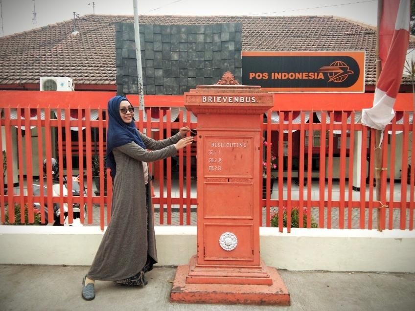Makam Soekarno Dan Istana Gebang