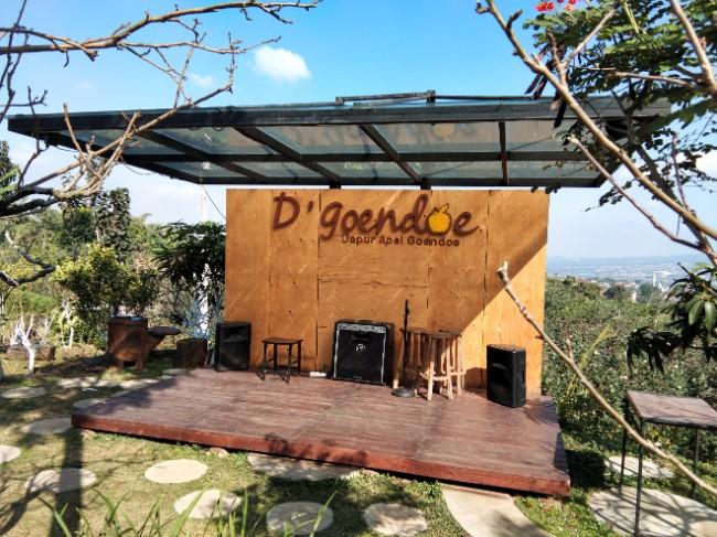 DGoendoe Cafe Batu tempat makan instagramable batu