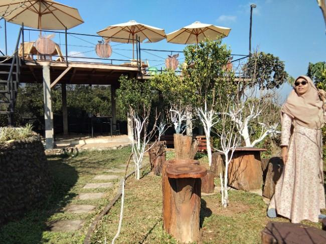 cafe outdoor Batu Malang