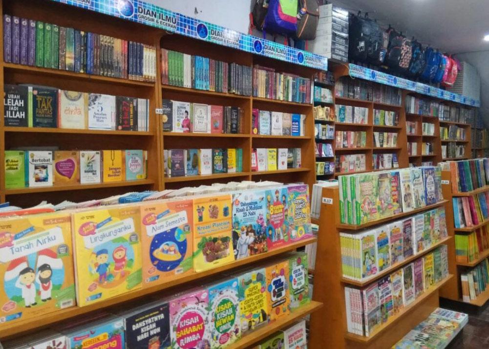 toko buku di malang